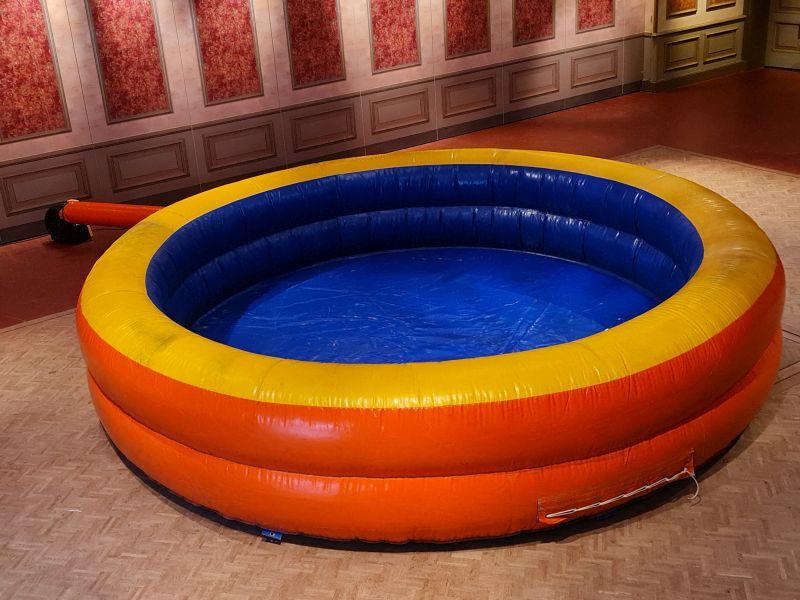 Opblaasbaar Zwembad - Olivier Attractieverhuur