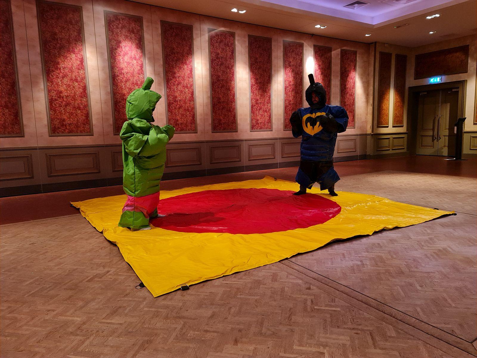 Sumoworstelen Batman en The Hulk - Attractieverhuur Olivier
