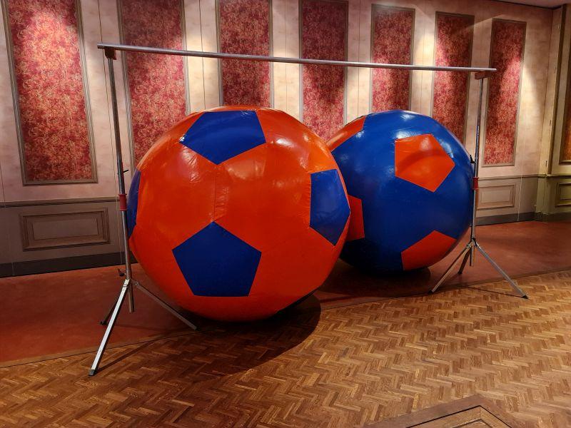 Wereldbal met Hindernis - Attractieverhuur Olivier